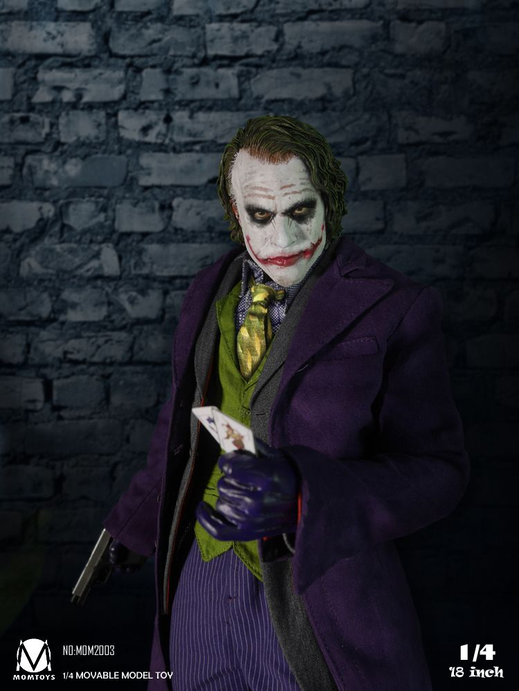 a comparison of the jokers of batman and joker in the dark knight Christopher nolan wasn't sure he'd ever want to make another batman film after the dark knight intend for the joker to appear in the dark knight rises.
