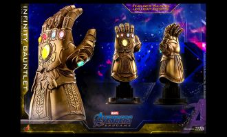 Hot-Toys-ACS007-Infinity-Gauntlet-Avengers-Endgame
