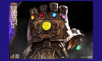 HOT-TOYS-LMS006-Avengers-Infinity-War-Infinity-Gauntlet-Life-Size-Collectible