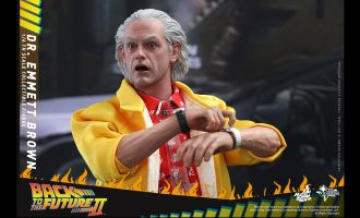 HOT TOYS MMS380 BACK TO THE FUTURE PART II DR. EMMETT BROWN