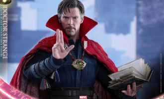 HOT TOYS MMS387 DOCTOR STRANGE
