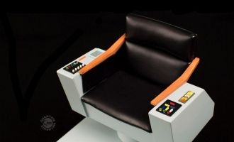 QUANTUM MECHANIX QMx STAR TREK TOS CAPTAIN'S CHAIR SCALE REPLICA